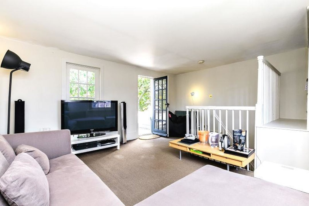 House - Terraced Sold in Camberwell Grove, SE5 190 view14