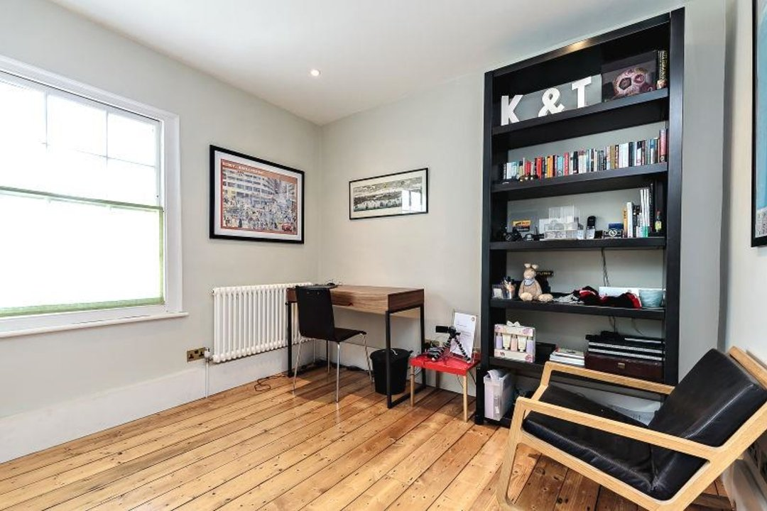 House - Terraced Sold in Camberwell Grove, SE5 190 view11