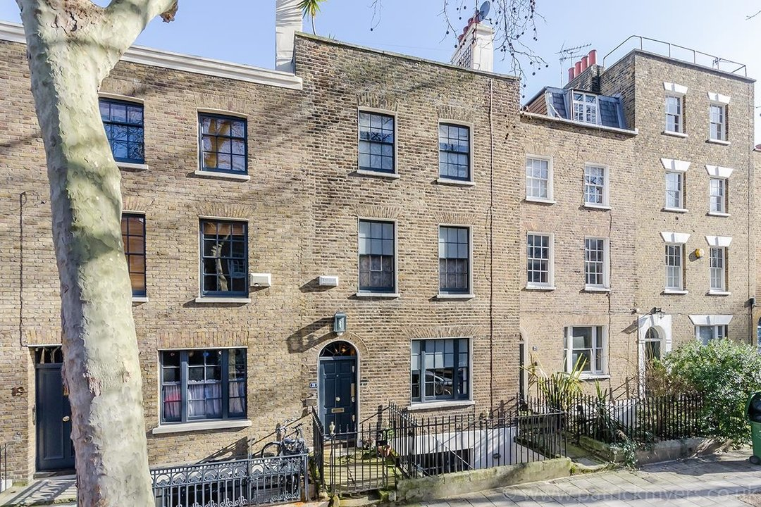 House - Terraced Sold in Camberwell Grove, SE5 190 view1