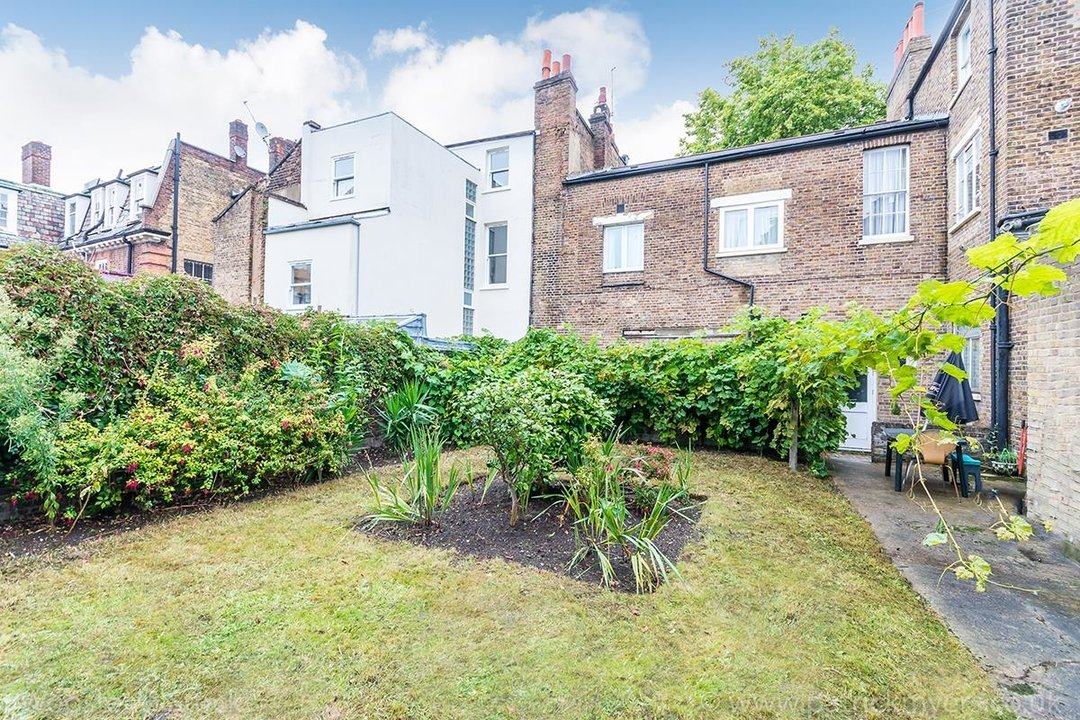 Flat - Conversion For Sale in Camberwell Grove, SE5 230 view2