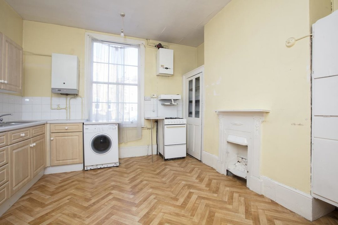 House - Terraced For Sale in Camberwell Grove, SE5 237 view5