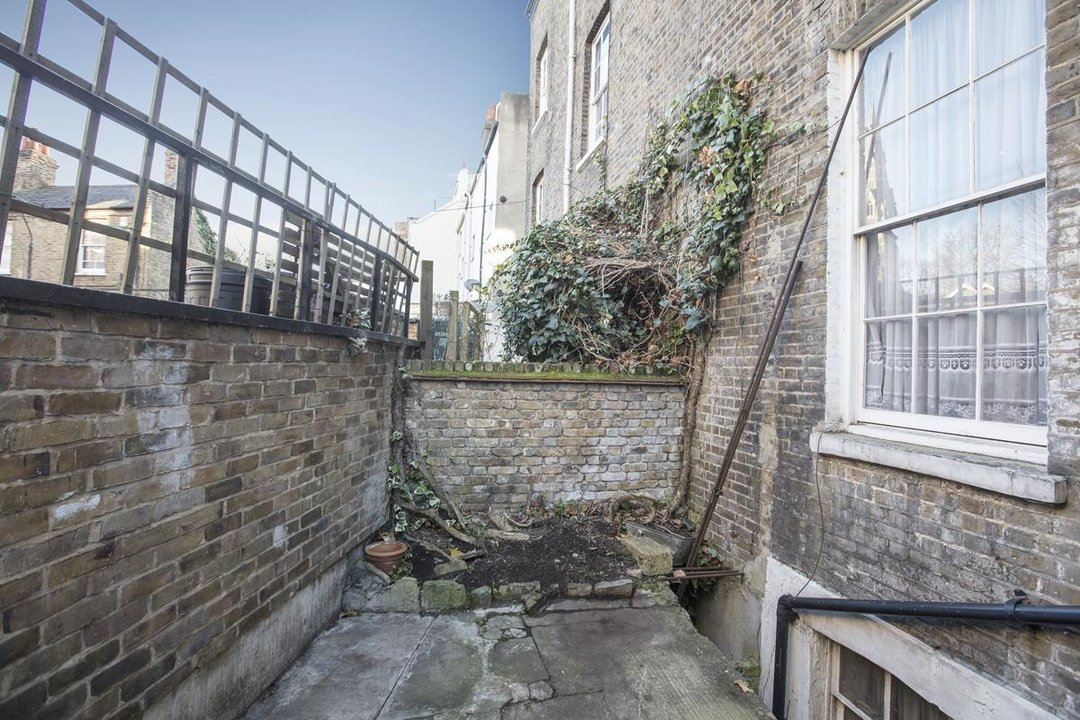House - Terraced For Sale in Camberwell Grove, SE5 237 view18