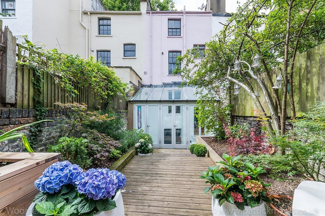 House - Terraced For Sale in Camberwell Grove, SE5 299 view10