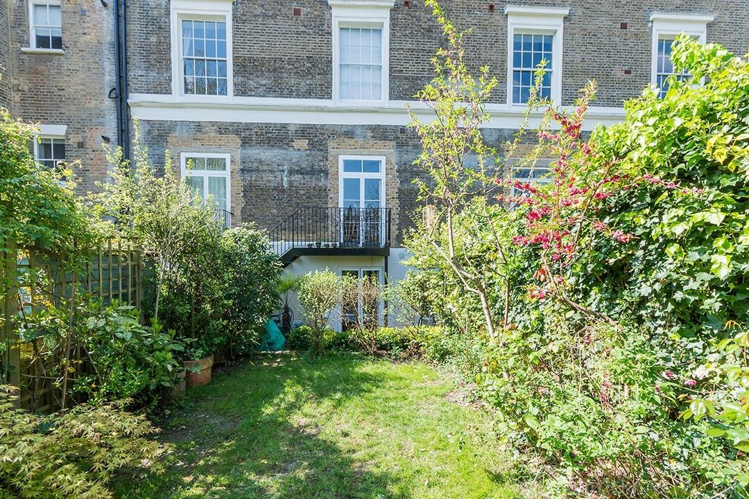 Flat/Apartment Sale Agreed in Camberwell Grove, SE5 31 view13