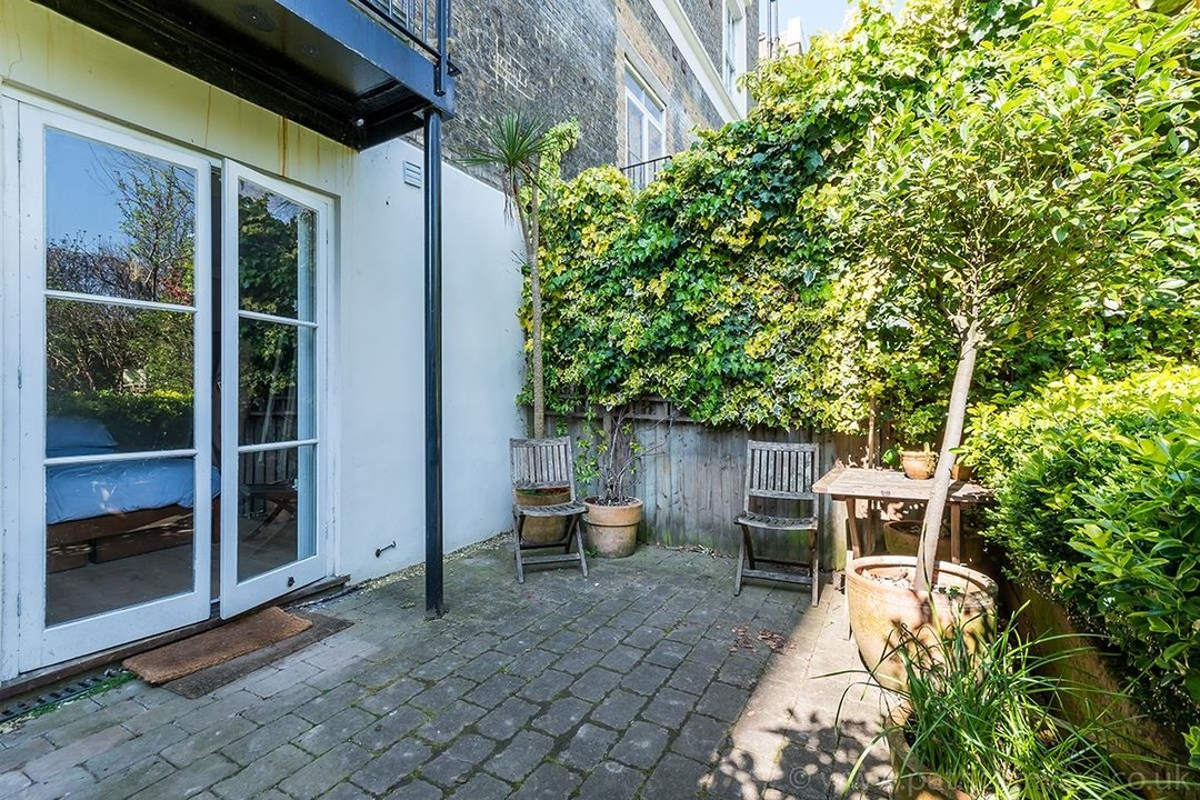 Flat/Apartment Sale Agreed in Camberwell Grove, SE5 31 view14