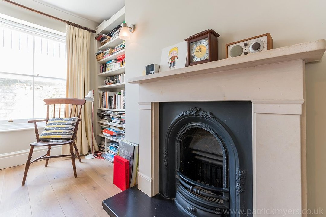 Flat/Apartment Sale Agreed in Camberwell Grove, SE5 31 view6