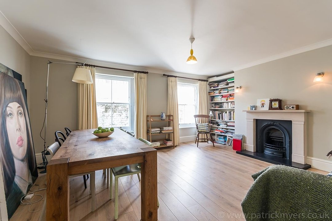 Flat/Apartment Sale Agreed in Camberwell Grove, SE5 31 view2