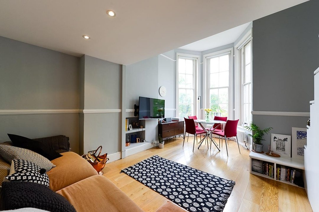 Flat/Apartment For Sale in Camberwell Grove, SE5 63 view2