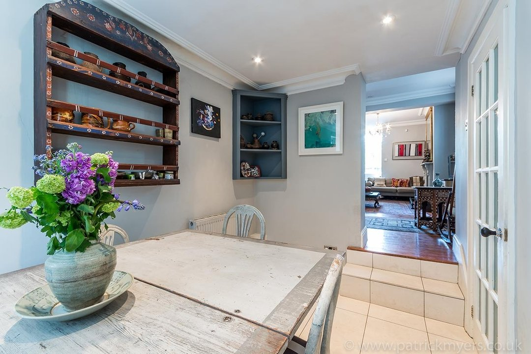 House - End Terrace For Sale in Camberwell Grove, SE5 85 view7
