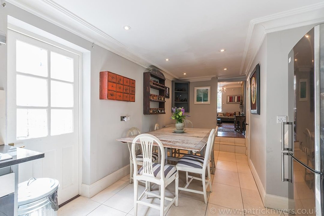 House - End Terrace For Sale in Camberwell Grove, SE5 85 view6