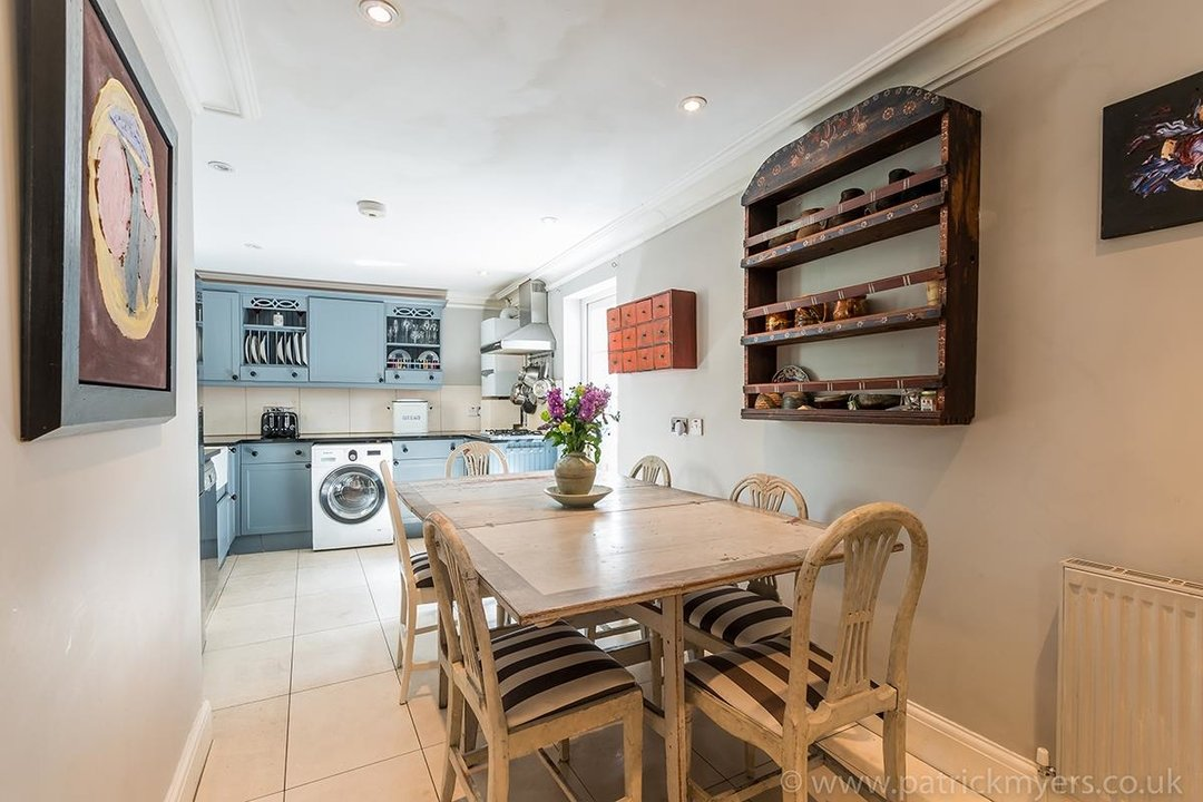 House - End Terrace For Sale in Camberwell Grove, SE5 85 view2