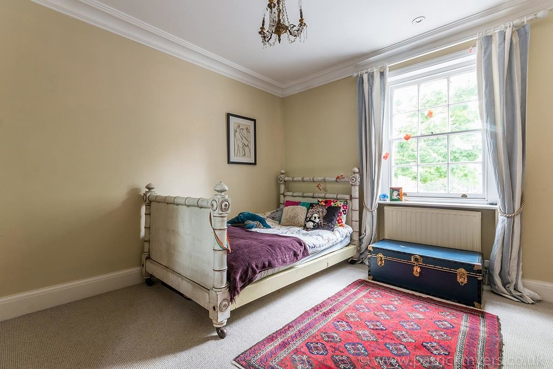 House - End Terrace For Sale in Camberwell Grove, SE5 85 view12