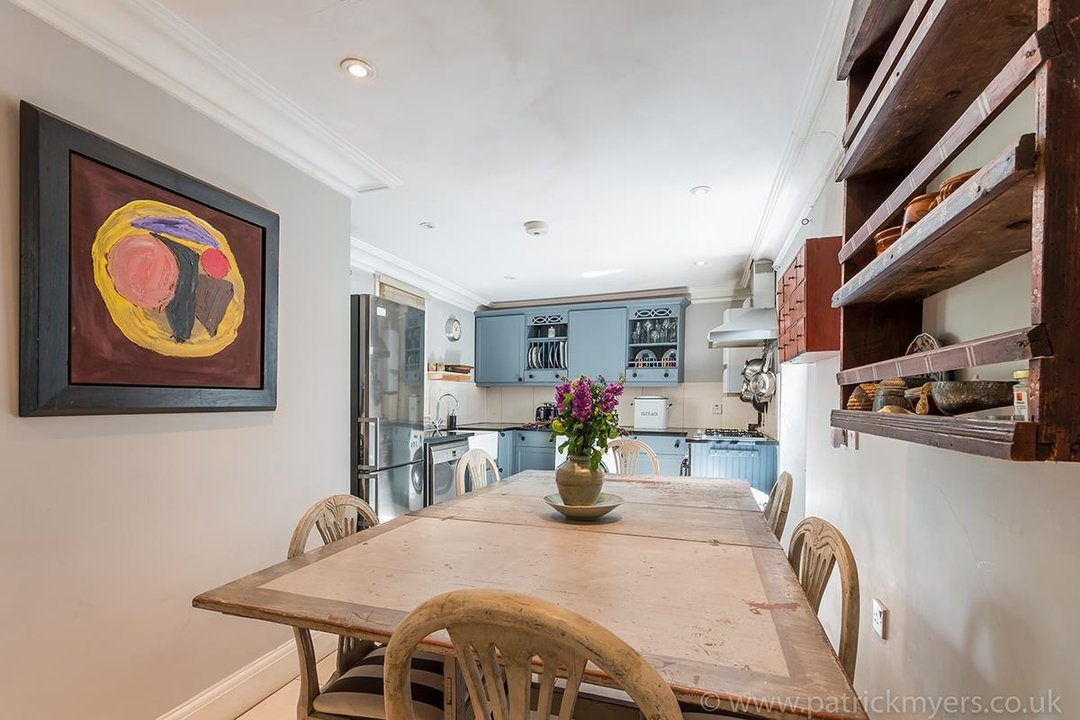 House - End Terrace For Sale in Camberwell Grove, SE5 85 view4