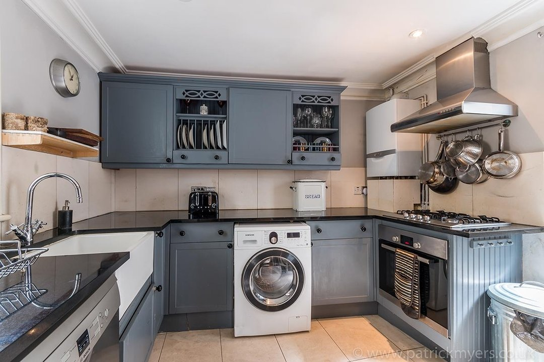 House - End Terrace For Sale in Camberwell Grove, SE5 85 view5