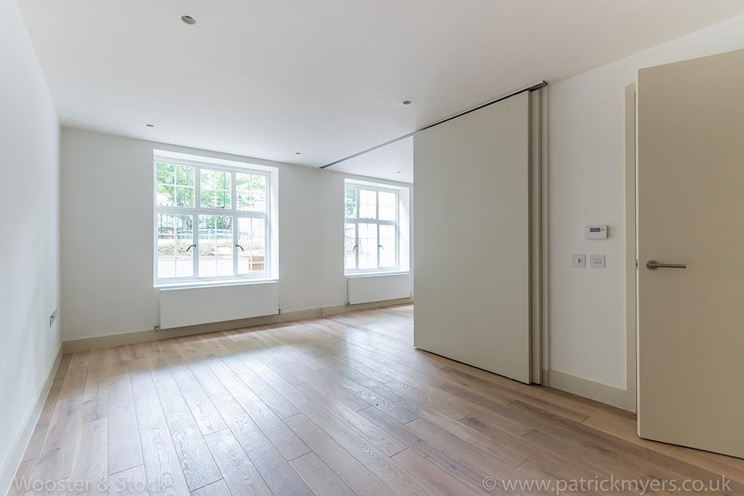Flat - Conversion Sale Agreed in Camberwell Grove, SE5 96 view3