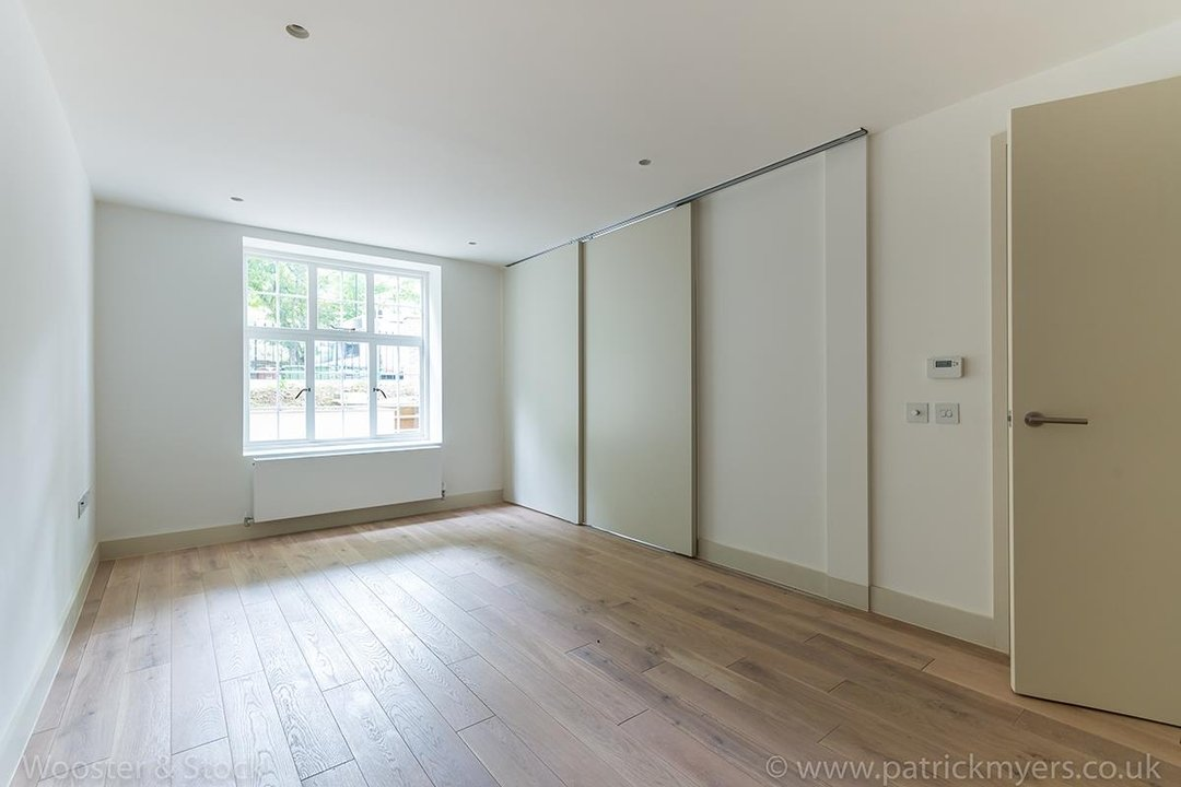Flat - Conversion Sale Agreed in Camberwell Grove, SE5 96 view4