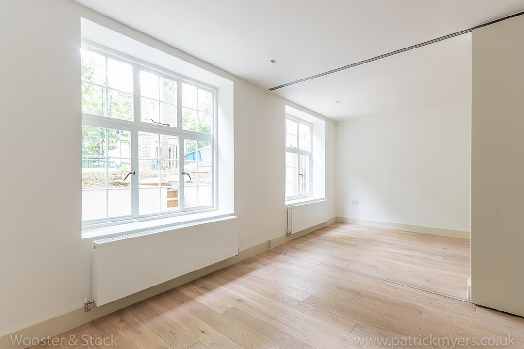 Flat - Conversion Sale Agreed in Camberwell Grove, SE5 96 view5