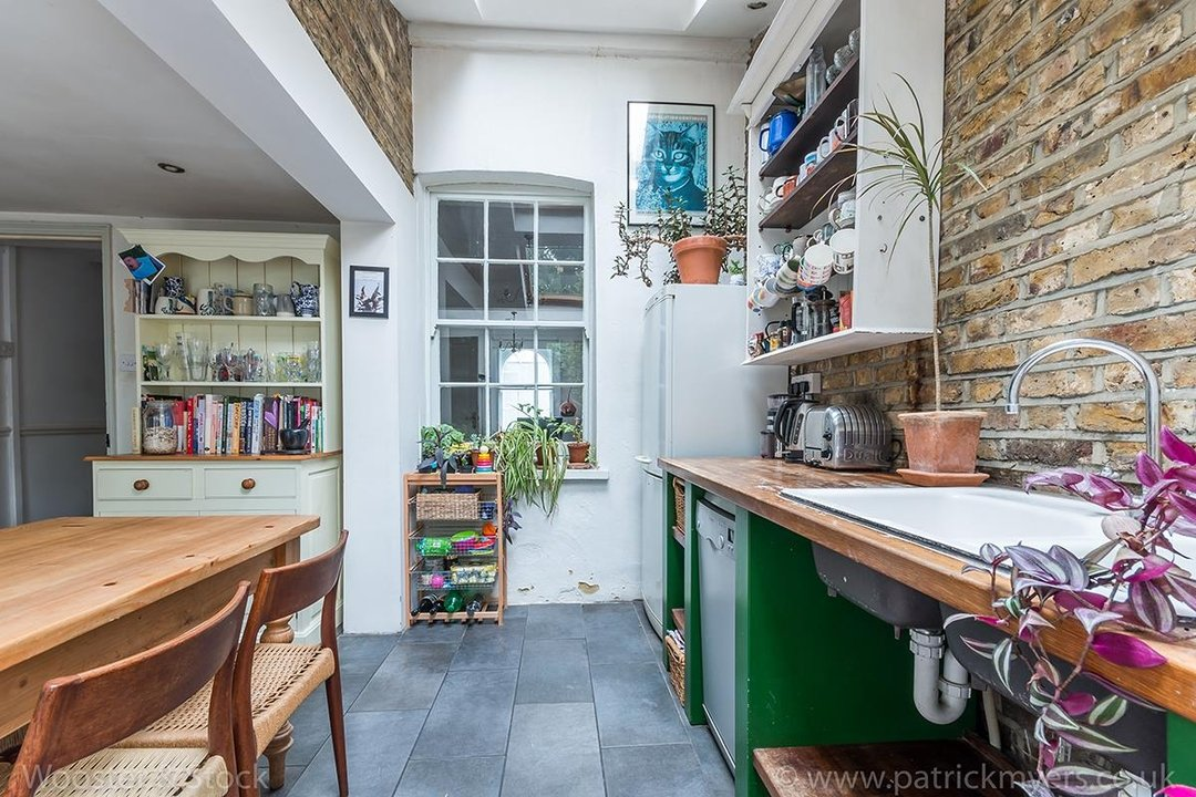 House - Terraced Sold in Camberwell New Road, SE5 129 view13