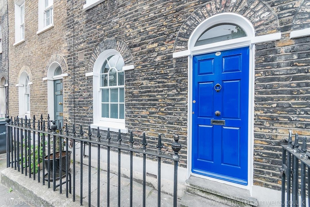 House - Terraced For Sale in Camberwell New Road, SE5 129 view2