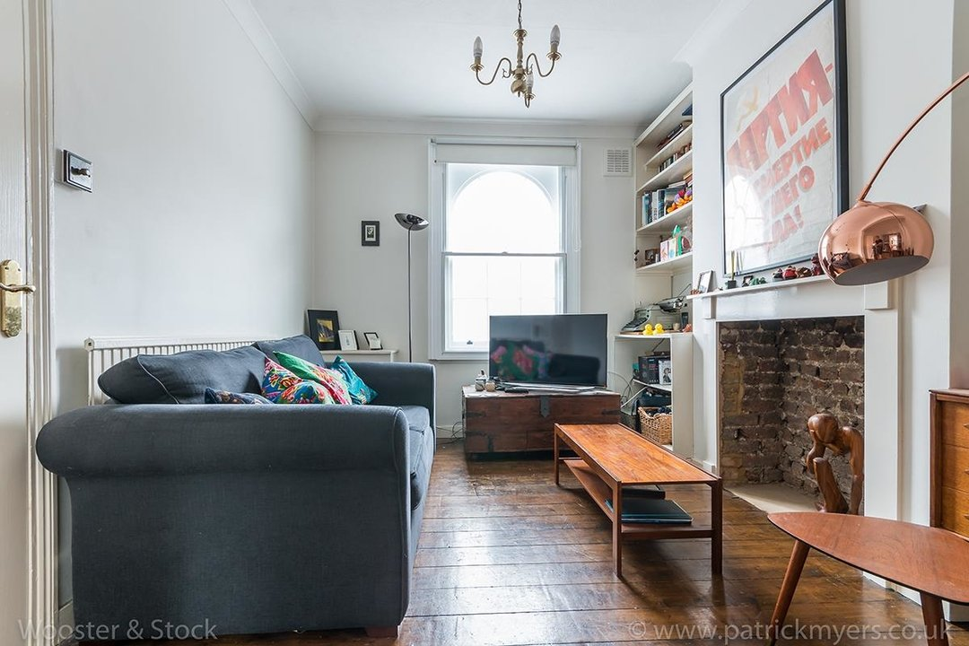 House - Terraced Sold in Camberwell New Road, SE5 129 view4