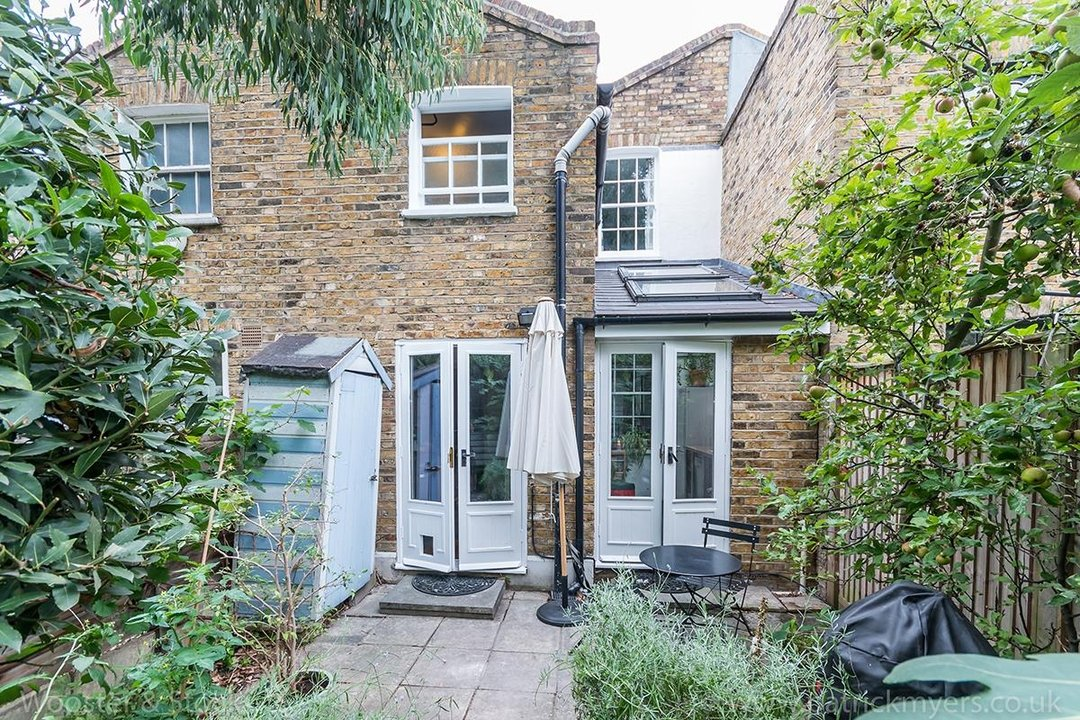 House - Terraced Sold in Camberwell New Road, SE5 129 view17