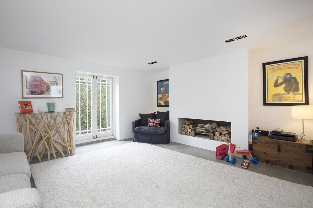 House - End Terrace Sale Agreed in Camberwell New Road, SE5 223 view9