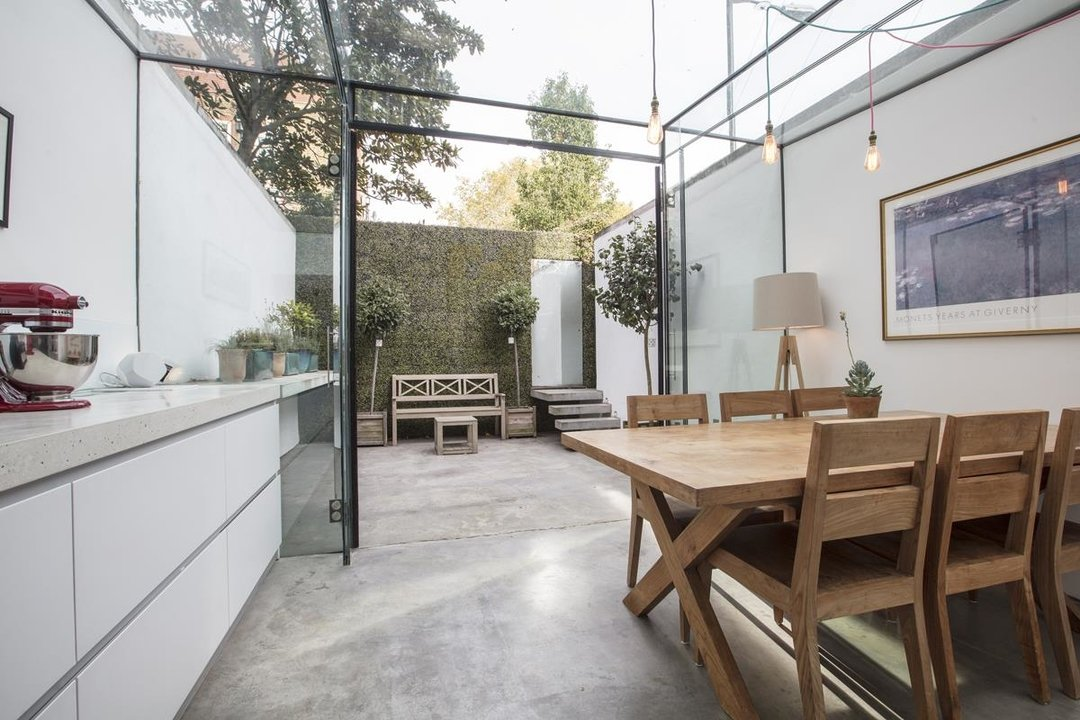 House - End Terrace Sale Agreed in Camberwell New Road, SE5 223 view6