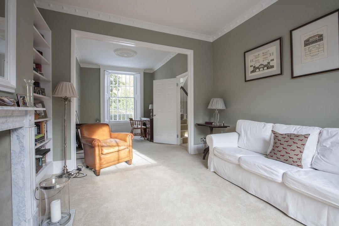 House - End Terrace Sale Agreed in Camberwell New Road, SE5 223 view8