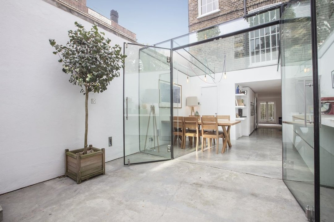 House - End Terrace Sale Agreed in Camberwell New Road, SE5 223 view2