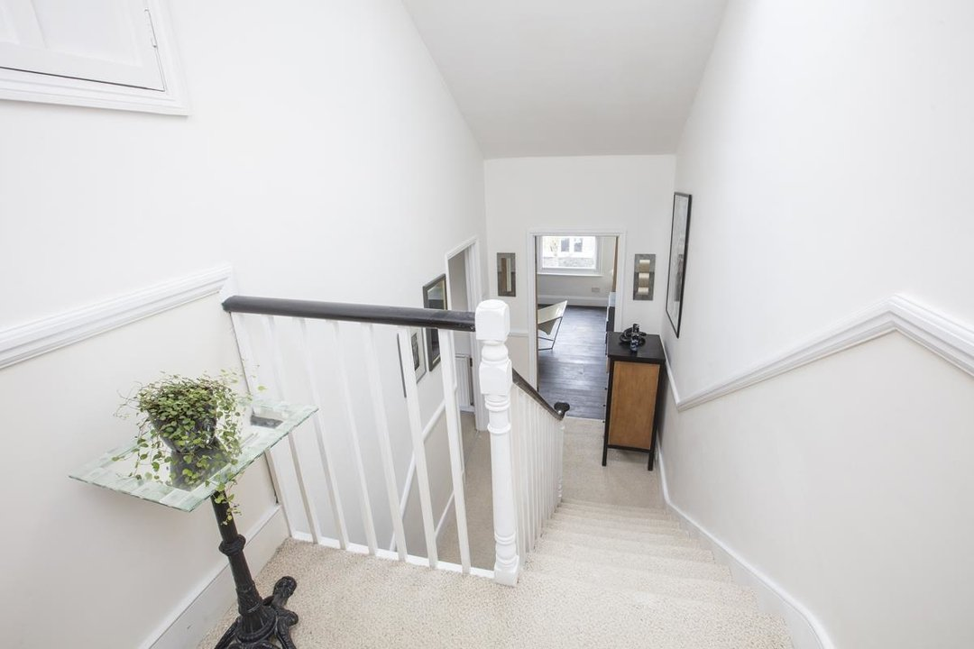 House - Semi-Detached Sale Agreed in Carden Road, SE15 224 view19