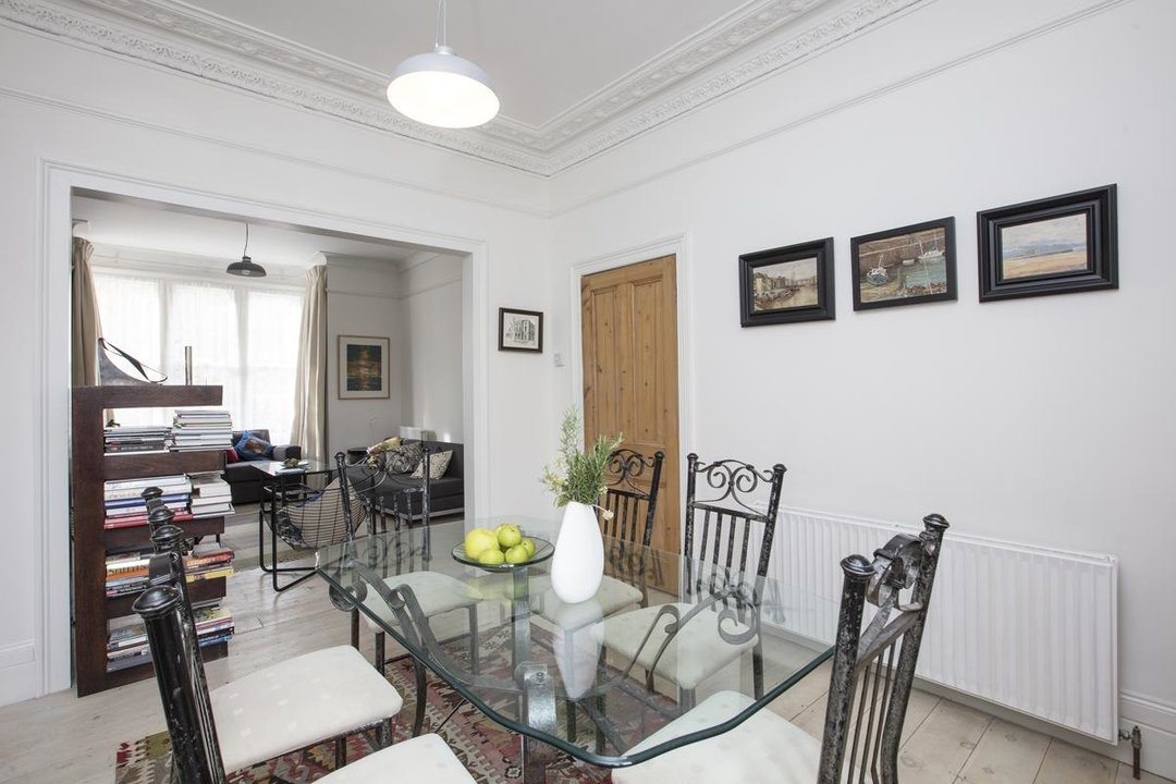 House - Semi-Detached Sale Agreed in Carden Road, SE15 224 view10