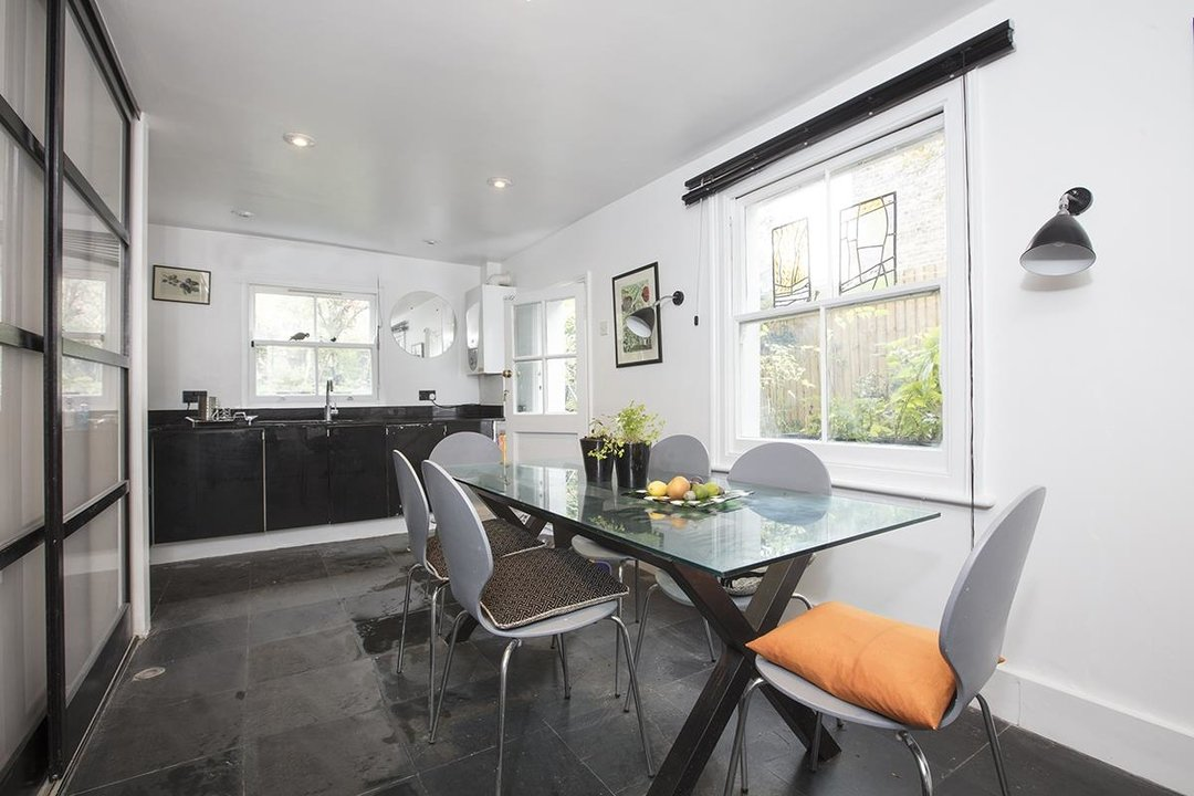 House - Semi-Detached For Sale in Carden Road, SE15 224 view26