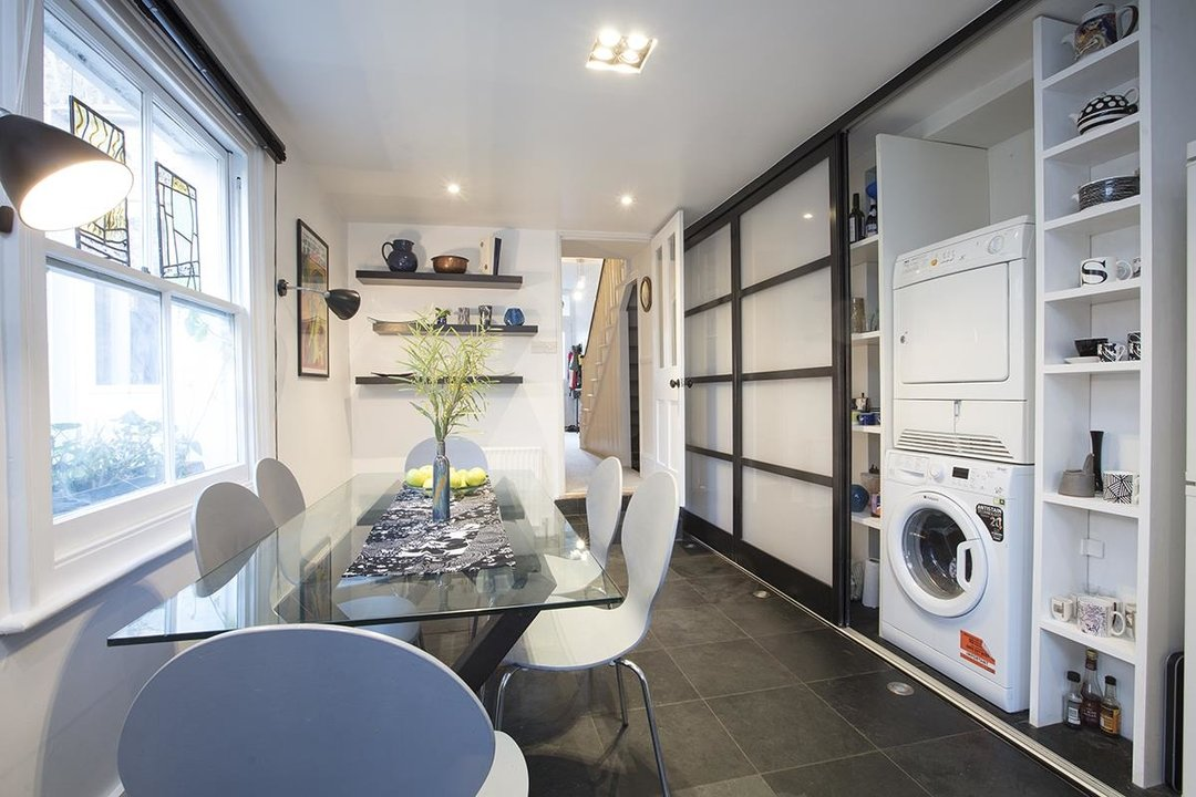 House - Semi-Detached For Sale in Carden Road, SE15 224 view6