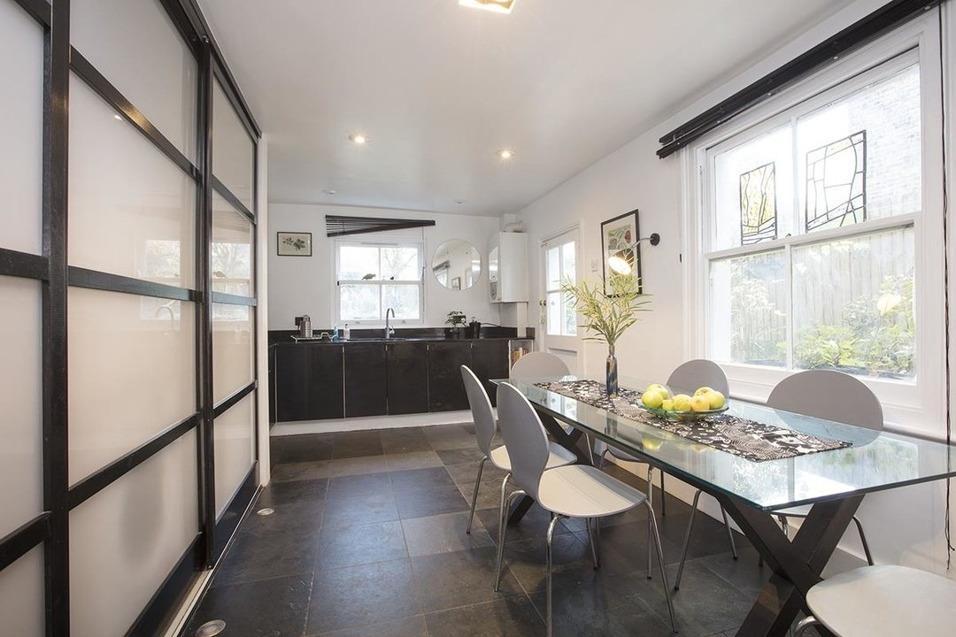House - Semi-Detached For Sale in Carden Road, SE15 224 view9