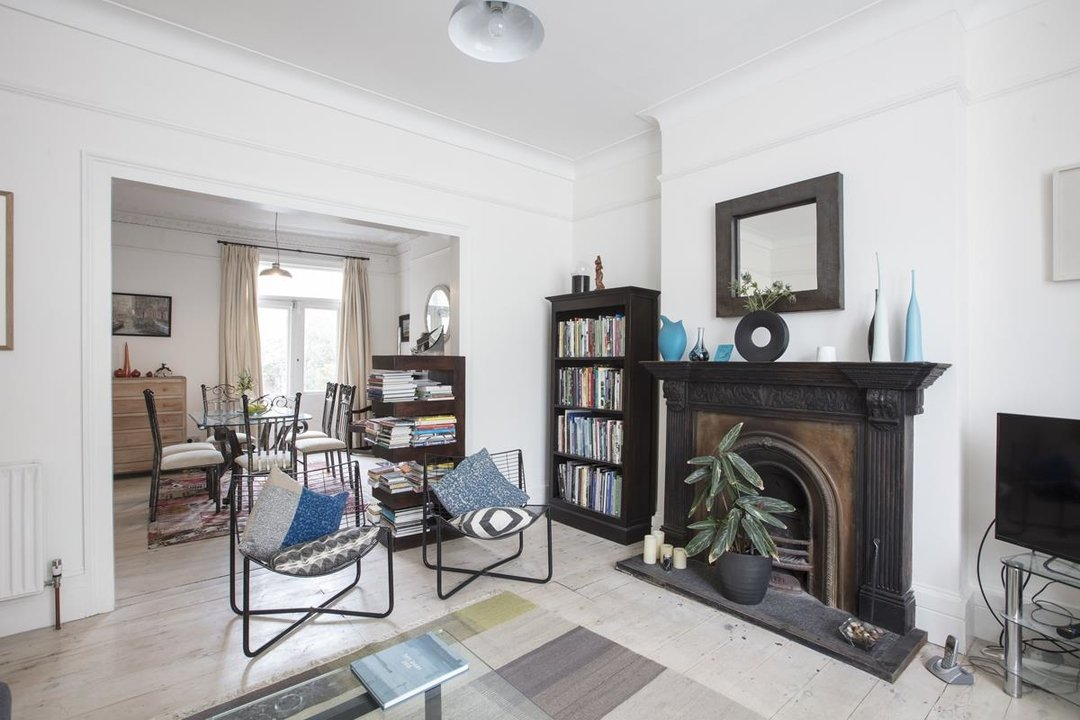 House - Semi-Detached For Sale in Carden Road, SE15 224 view8