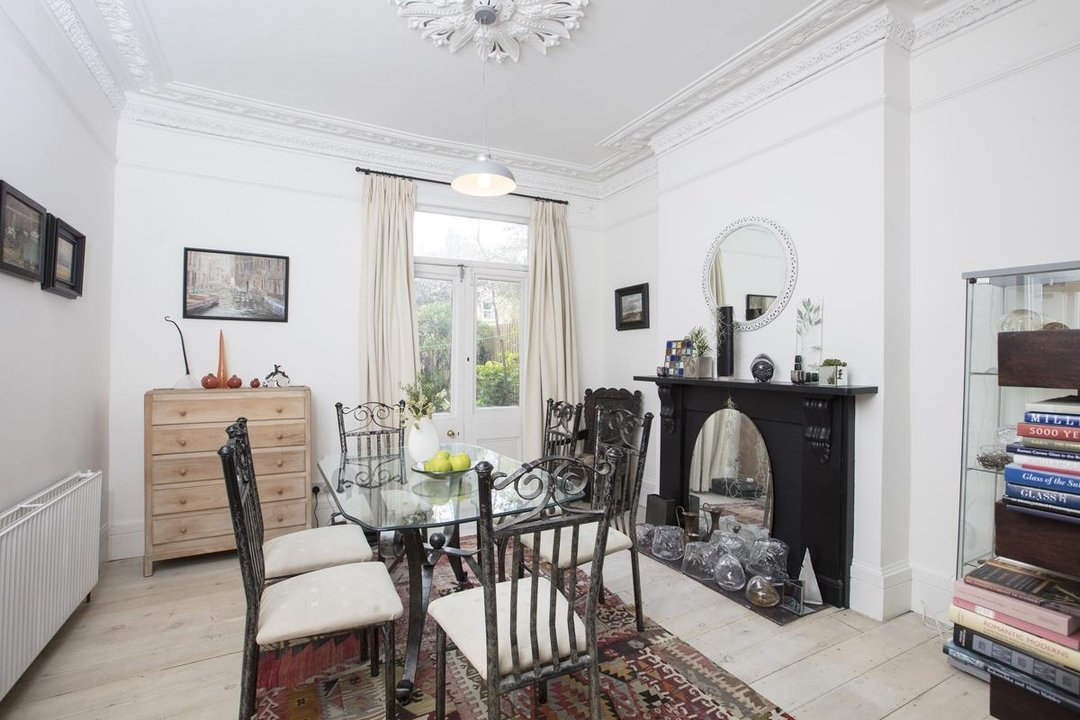 House - Semi-Detached Sale Agreed in Carden Road, SE15 224 view4