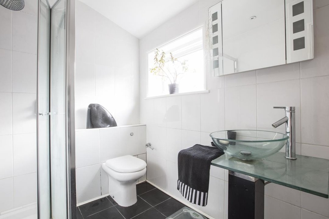 House - Semi-Detached For Sale in Carden Road, SE15 224 view20