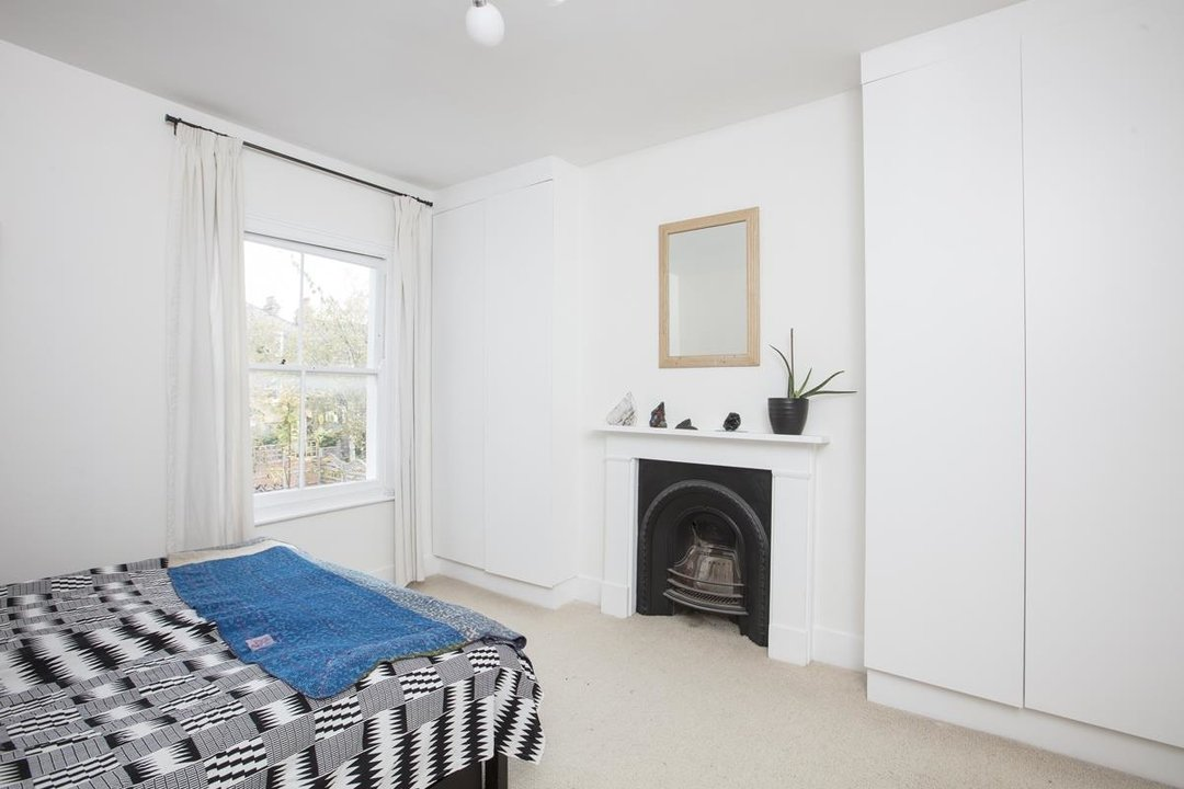 House - Semi-Detached Sale Agreed in Carden Road, SE15 224 view18