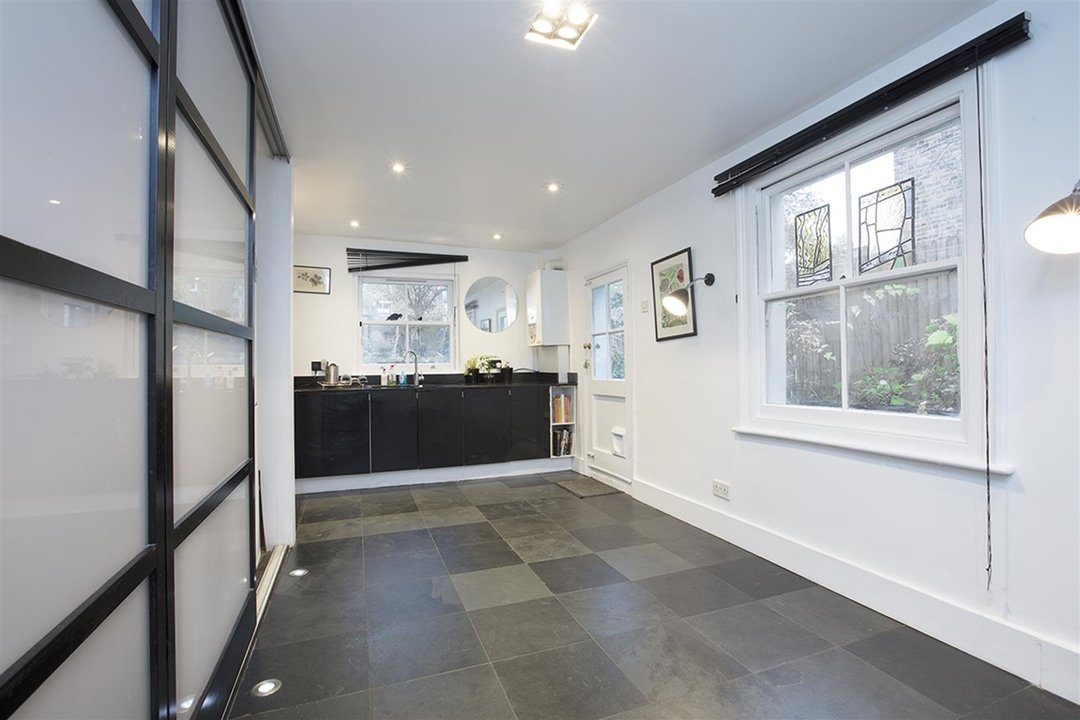 House - Semi-Detached Sale Agreed in Carden Road, SE15 224 view7
