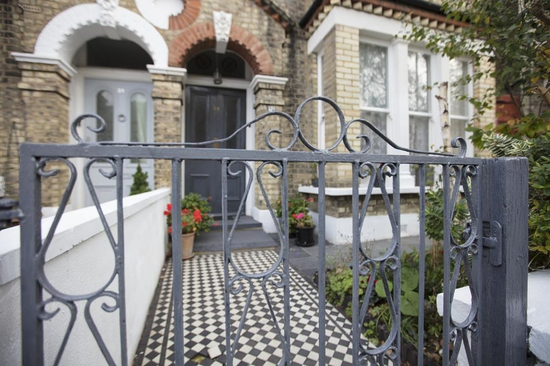 House - Semi-Detached Sale Agreed in Carden Road, SE15 224 view28