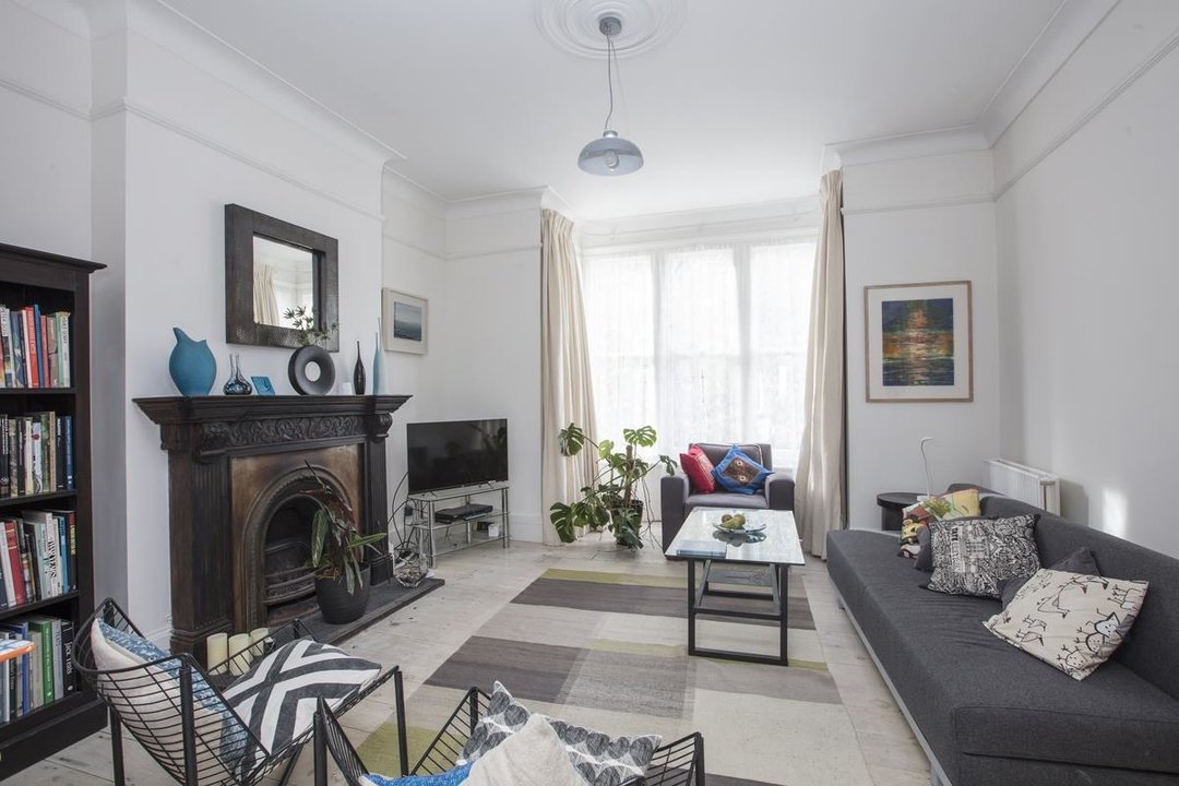 House - Semi-Detached Sale Agreed in Carden Road, SE15 224 view2