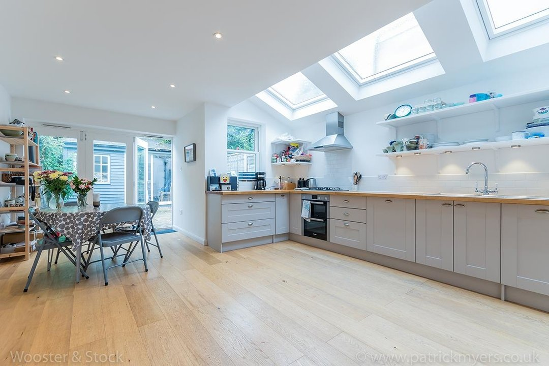 House - Terraced Sold in Chadwick Road, SE15 117 view2