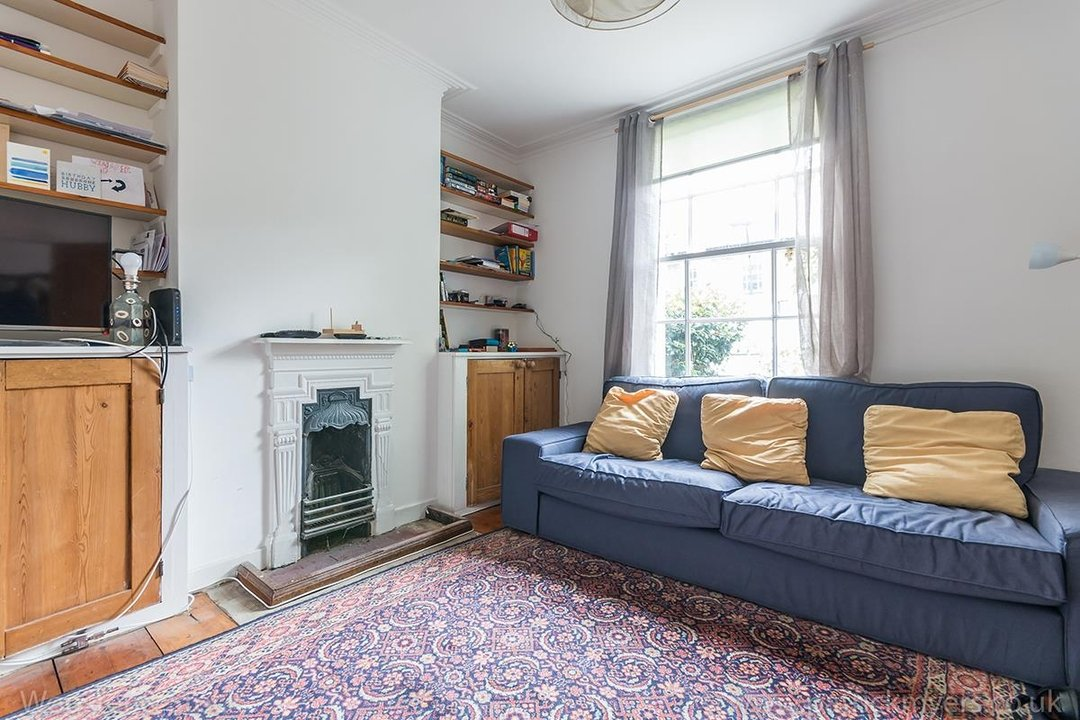 House - Terraced Sold in Chadwick Road, SE15 117 view5