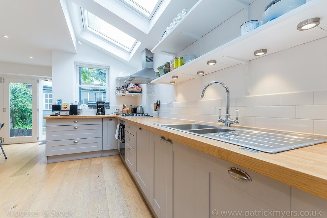 House - Terraced Sold in Chadwick Road, SE15 117 view6