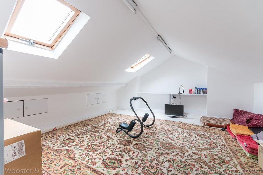 House - Terraced Sold in Chadwick Road, SE15 117 view12