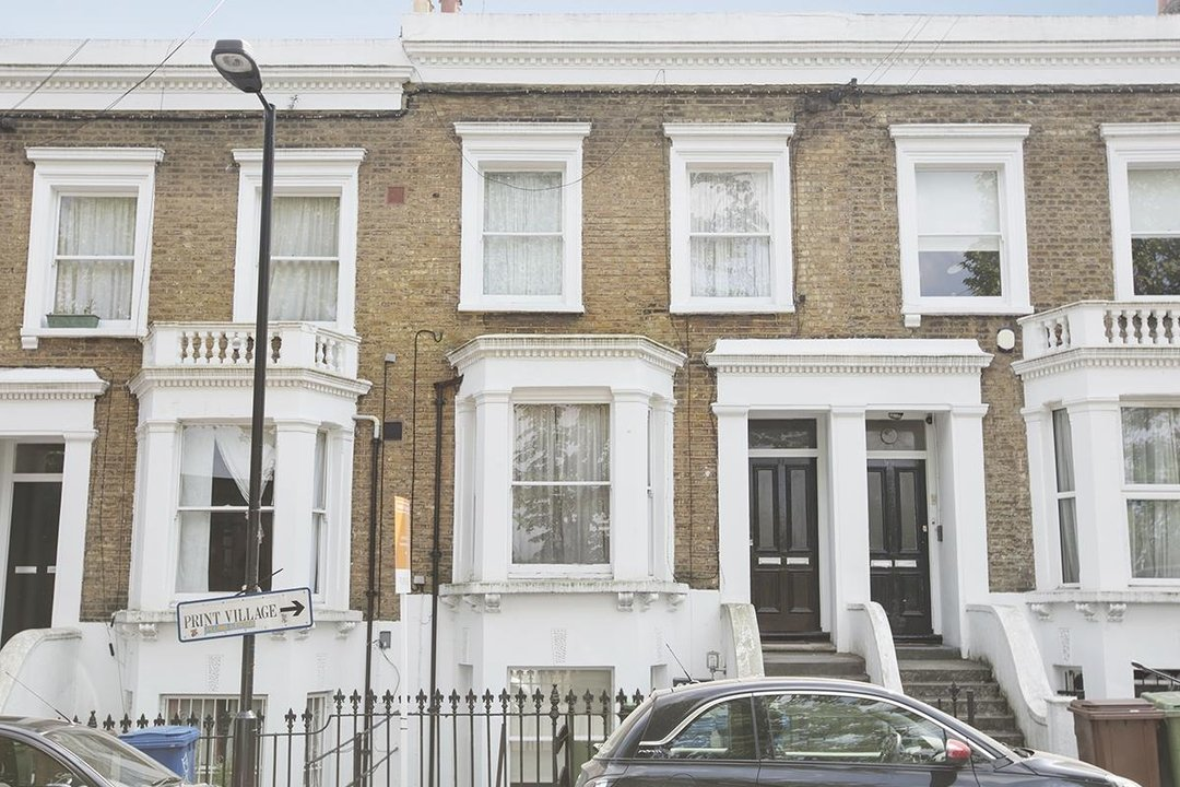 Flat/Apartment For Sale in Chadwick Road, SE15 322 view1