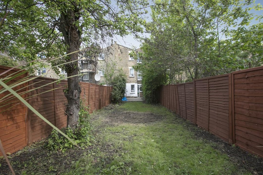 Flat/Apartment For Sale in Chadwick Road, SE15 322 view8