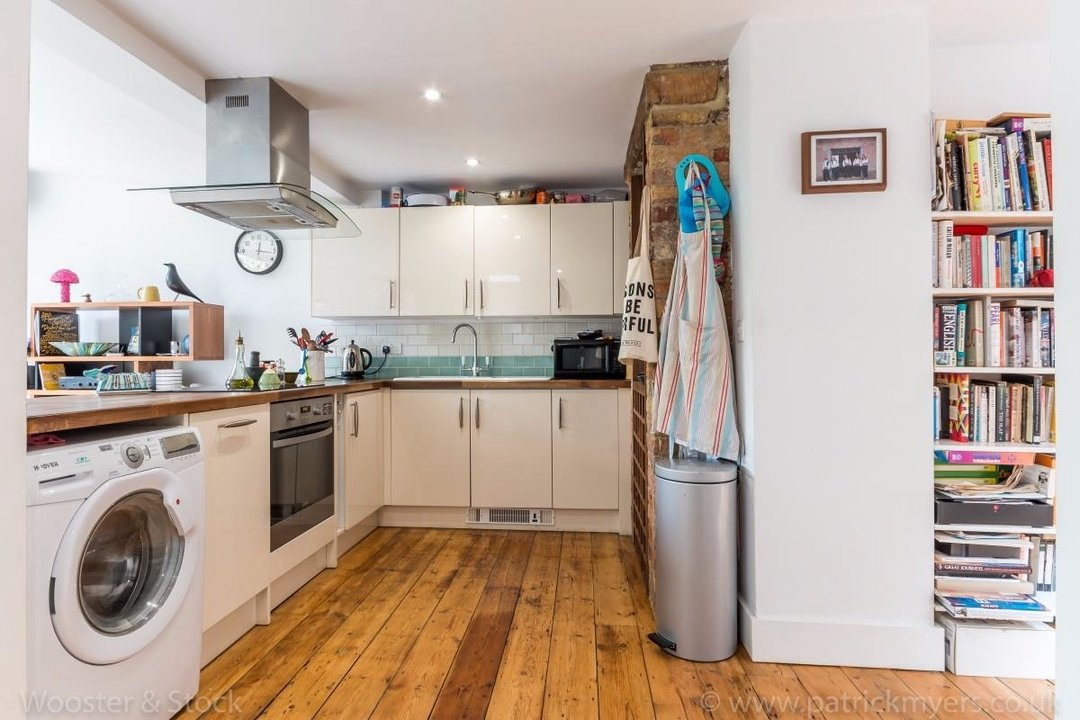 Flat - Conversion Sale Agreed in Choumert Road, SE15 180 view9