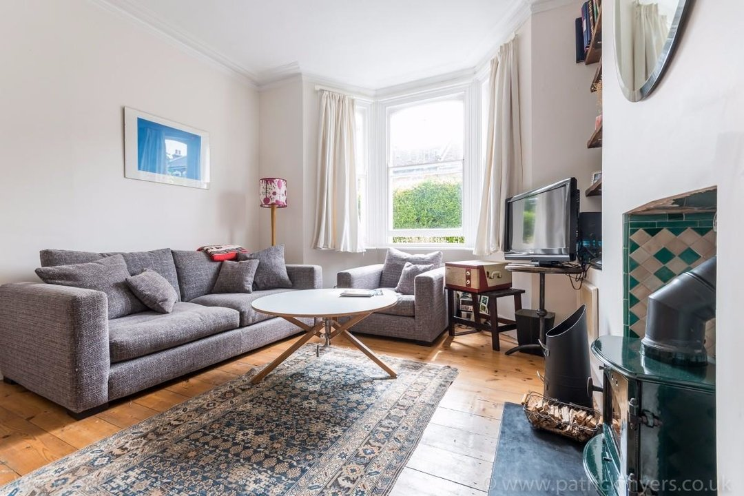 Flat - Conversion Sale Agreed in Choumert Road, SE15 180 view2