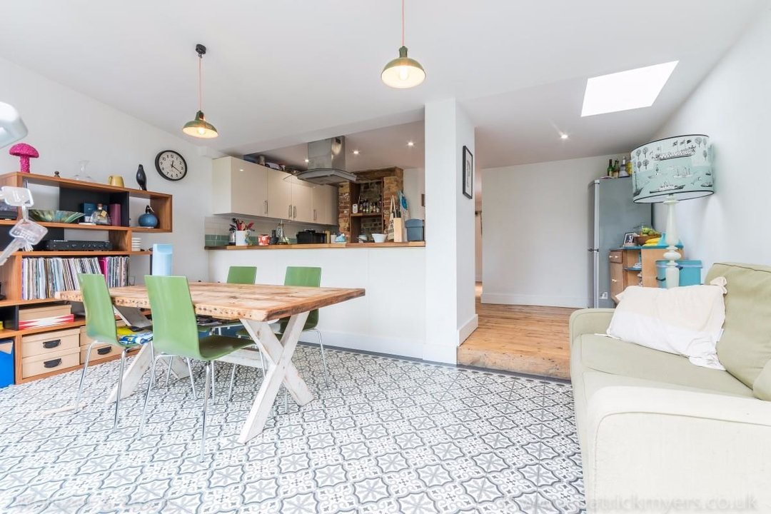 Flat - Conversion Sale Agreed in Choumert Road, SE15 180 view4